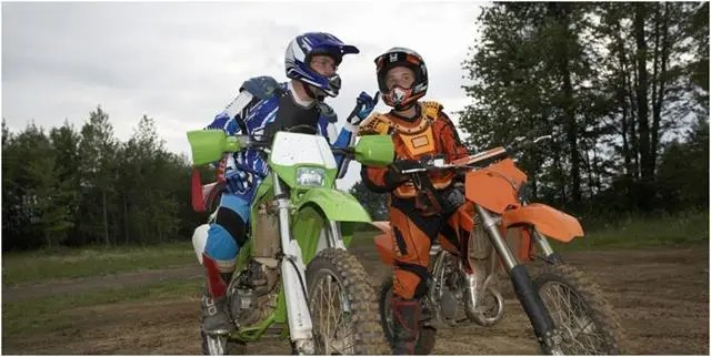 Off-road riding helmet