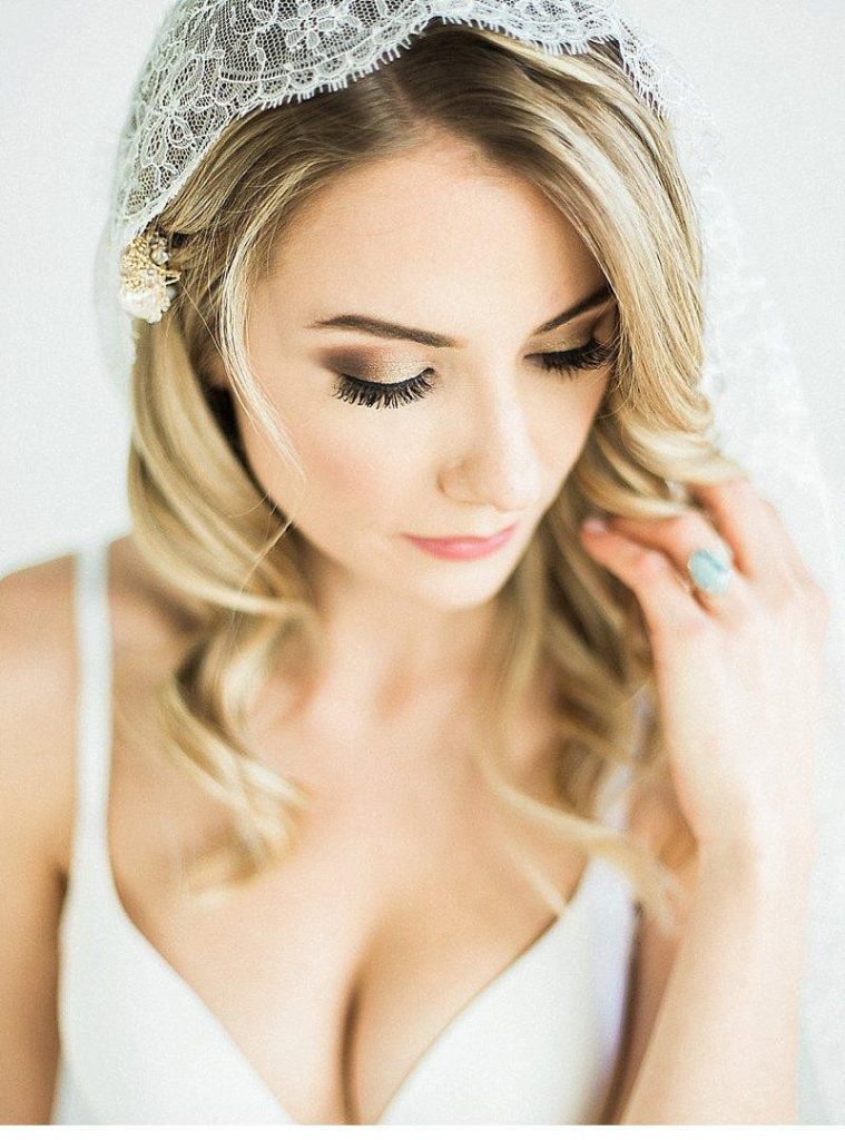 Romantic Bridal Boudoir Featured on Hochzeitsguide