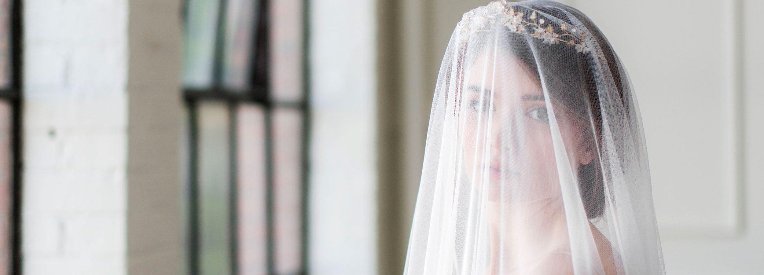 Wedding veils, bridal adornments and accessories