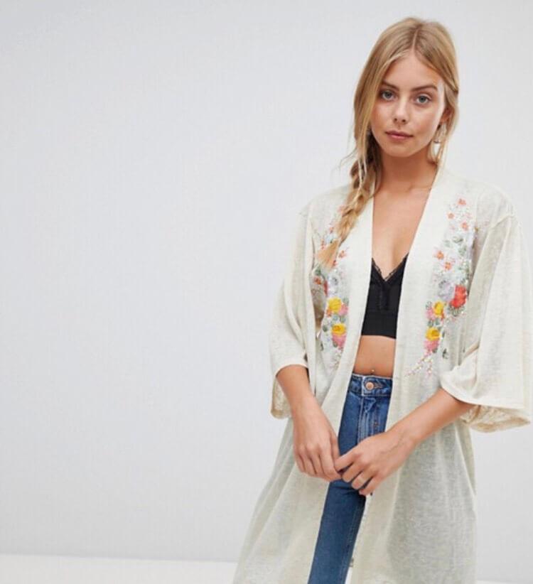 Kimono cardigan. Fashion with Chronic illness. Read more on www.allaboutrosalilla.com
