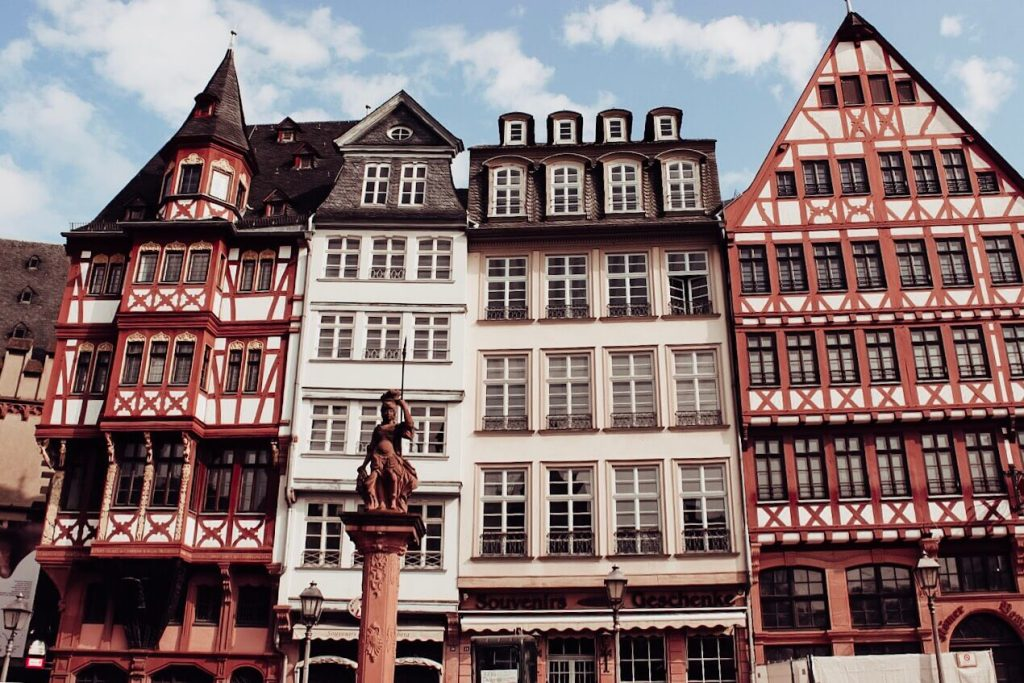 Things to do in Frankfurt. Read more on www.allaboutrosalilla.com