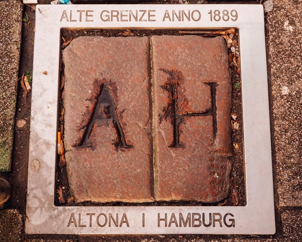 Flagstone showing the border between Altona and Hamburg