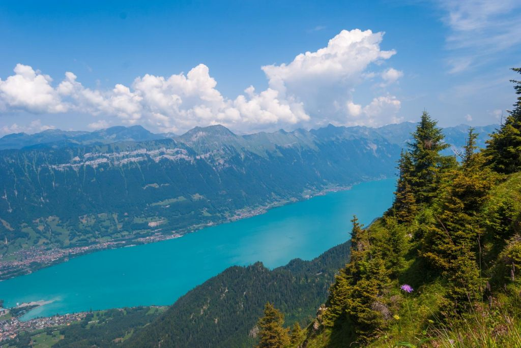 Best lakes in Switzerland - Lake Thun