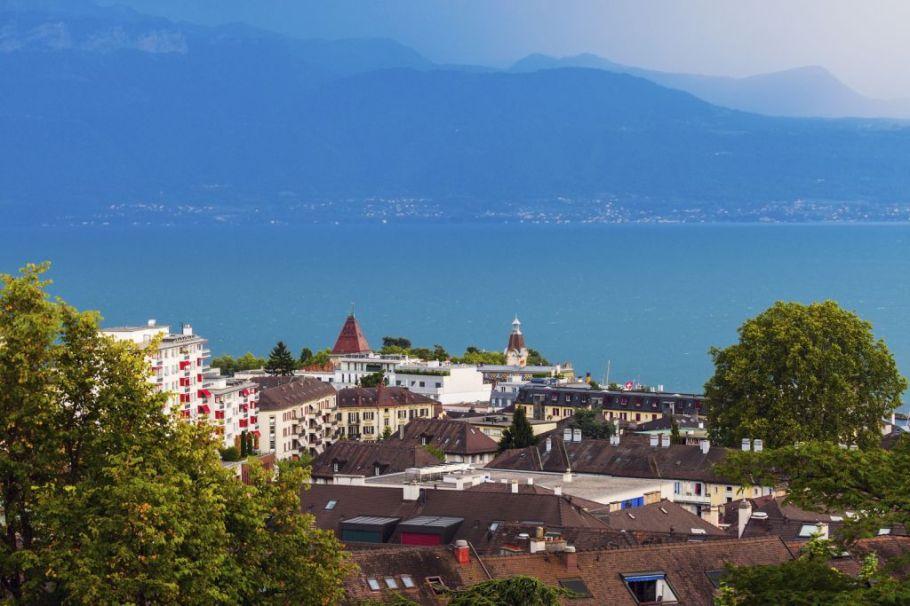 Lausanne Travel Guide - Lake Geneva