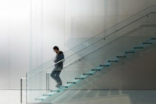 fachada em vidro escada em vidro