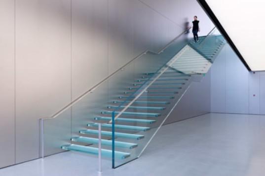 escada em vidro fachada em vidro