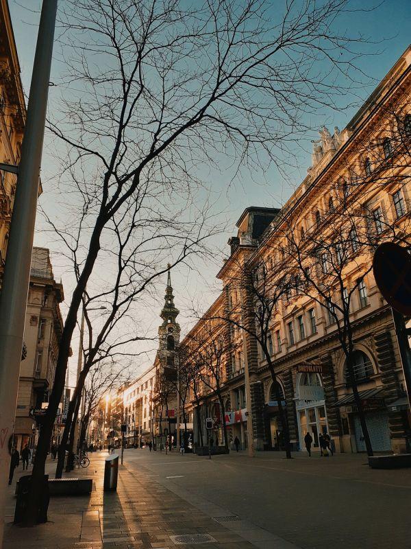 Shopping in Vienna - Mariahilfer st