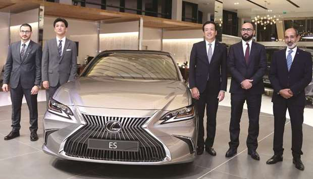 2019-Lexus-ES-unveiled-Abdullah-Abdulghani & Bros Co1