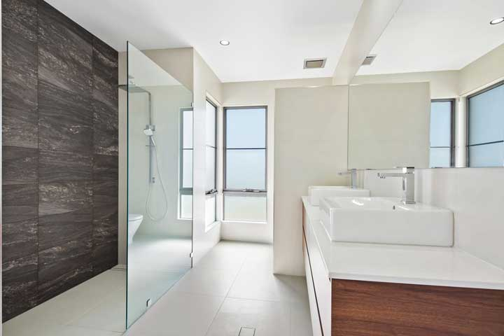 31-Stanely-Drive-Cannonvale-bathroom