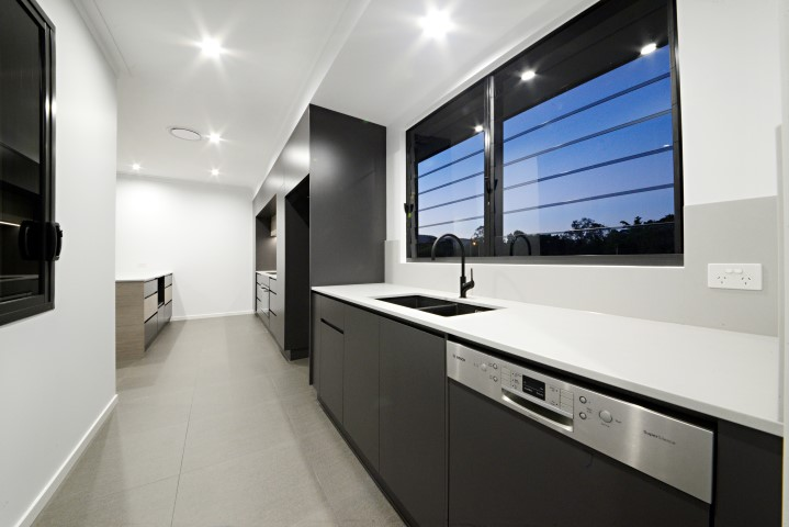 13 Stanley drive house for sale cannonvale kitchen layout