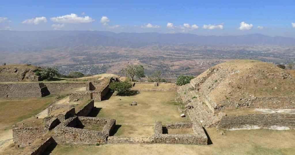 モンテアルバン遺跡