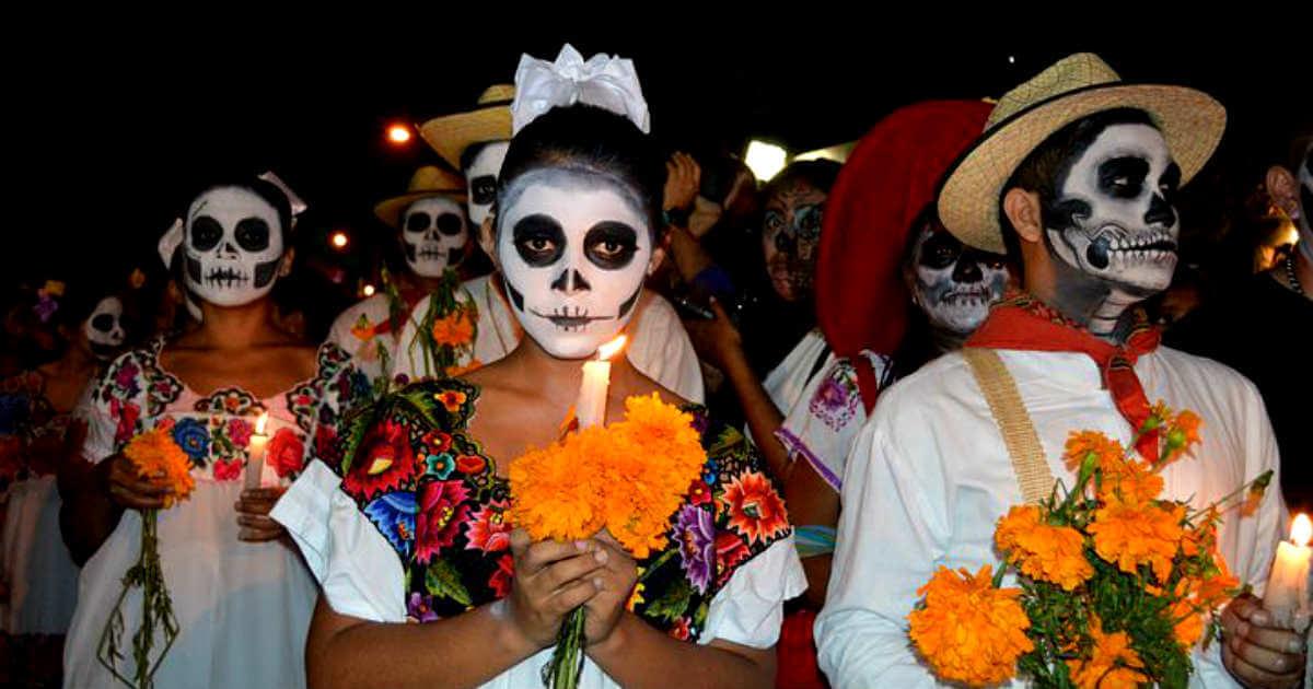 死者の日のメキシコの女の子