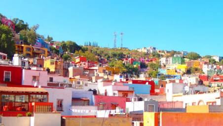 グアナファトのカラフルな街(屋上から)