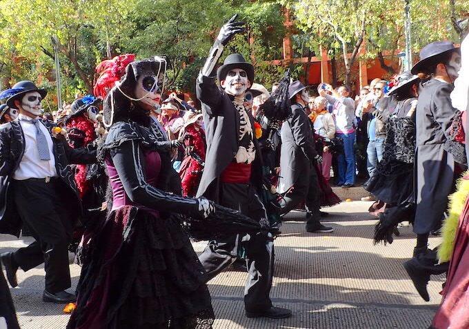 メキシコシティの死者の日パレード1
