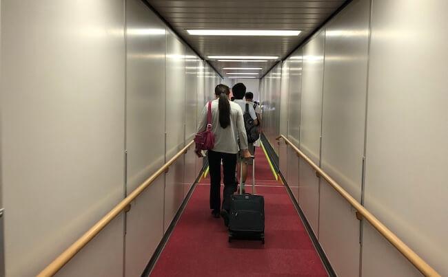 アエロメヒコ航空に乗り込むところ