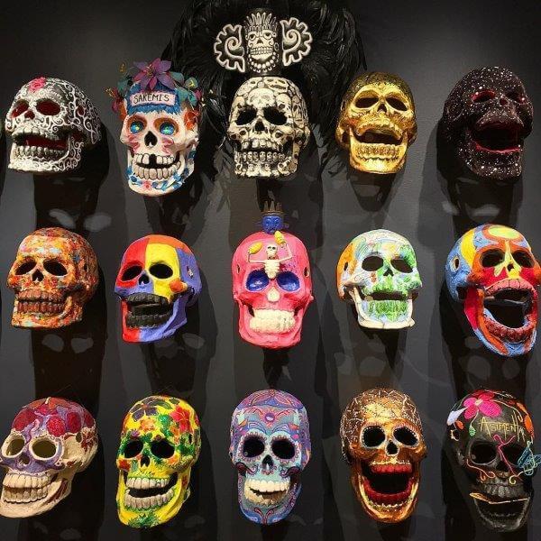 死者の日の飾り(ガイコツの壁)