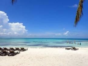 ハイアットジーヴァのビーチ海3