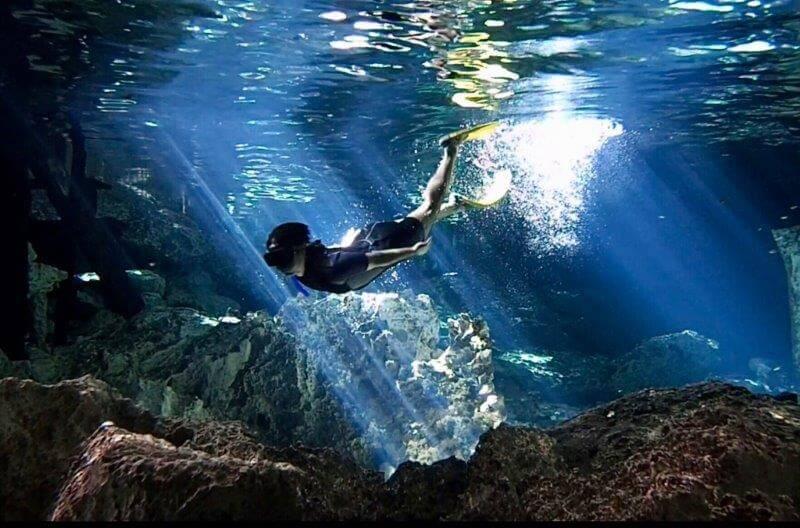 カンクンのセノーテ(水中写真)7