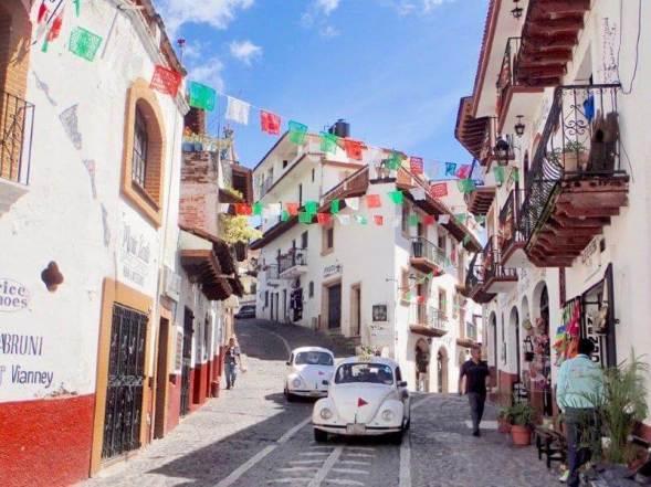 メキシコの白い街・タスコの街並み(Taxco)