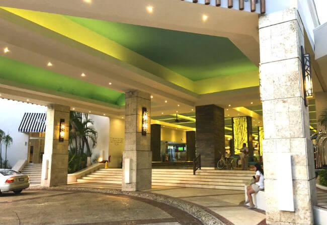 グランカリベ(パナマジャック)ホテル のエントランス