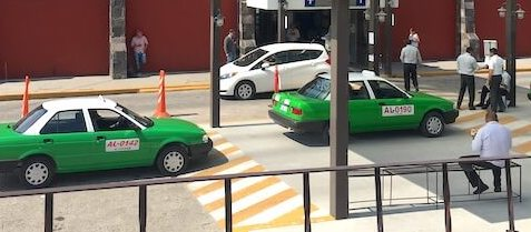 サンミゲルデアジェンデの移動方法(バス)タクシー