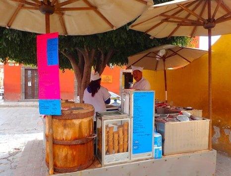 サンミゲルデアジェンデ アイスクリーム屋