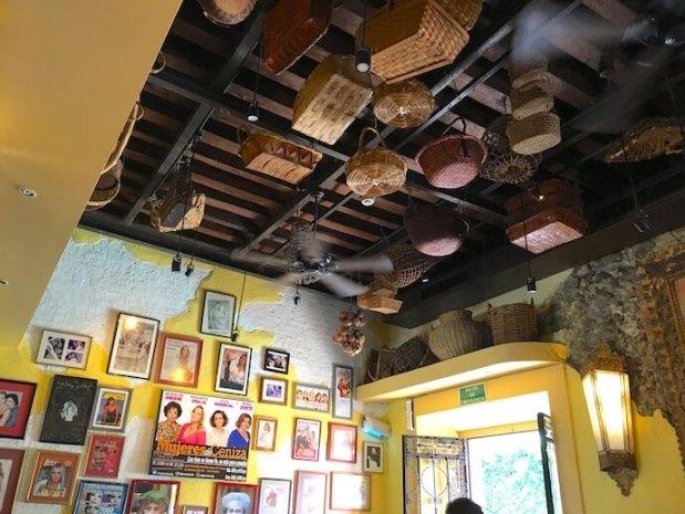 サンミゲルデアジェンデ カフェの内装