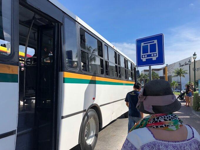 カンクンのホテルゾーンのバス(R1 R2)の乗り方4