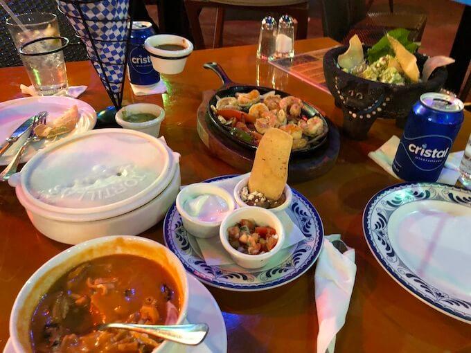 カンクンのメキシコ料理レストランMEXTREME9