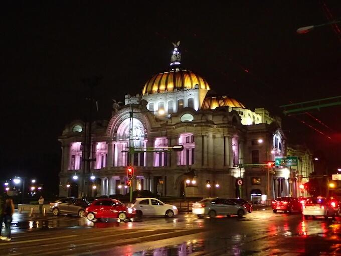 ベジャスアルテスの夜景(メキシコシティ)
