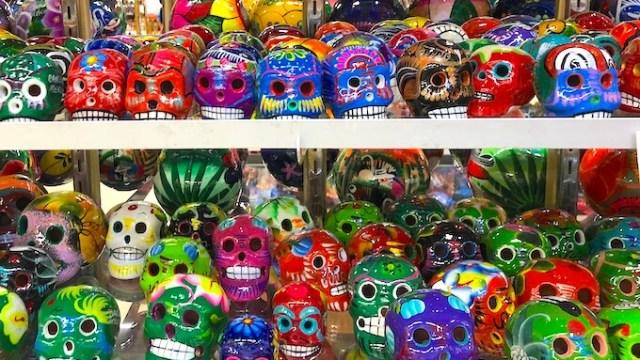 メキシコのガイコツの置物(カンクンの人気土産)