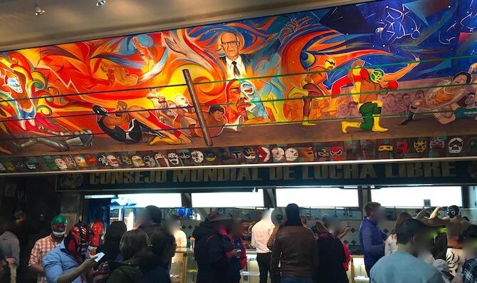 メキシコシティのアレナメヒコ(ルチャリブレ会場)入り口の壁画2
