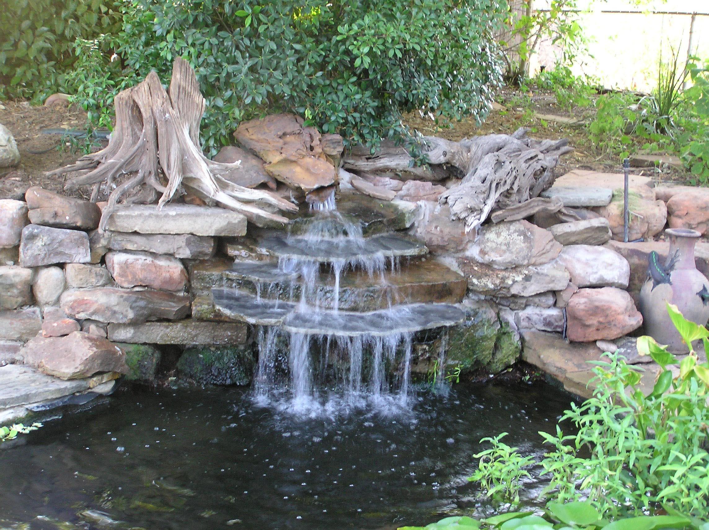 Garden Pond Waterfall Designs | Backyard Design Ideas on Small Backyard Pond With Waterfall  id=45051