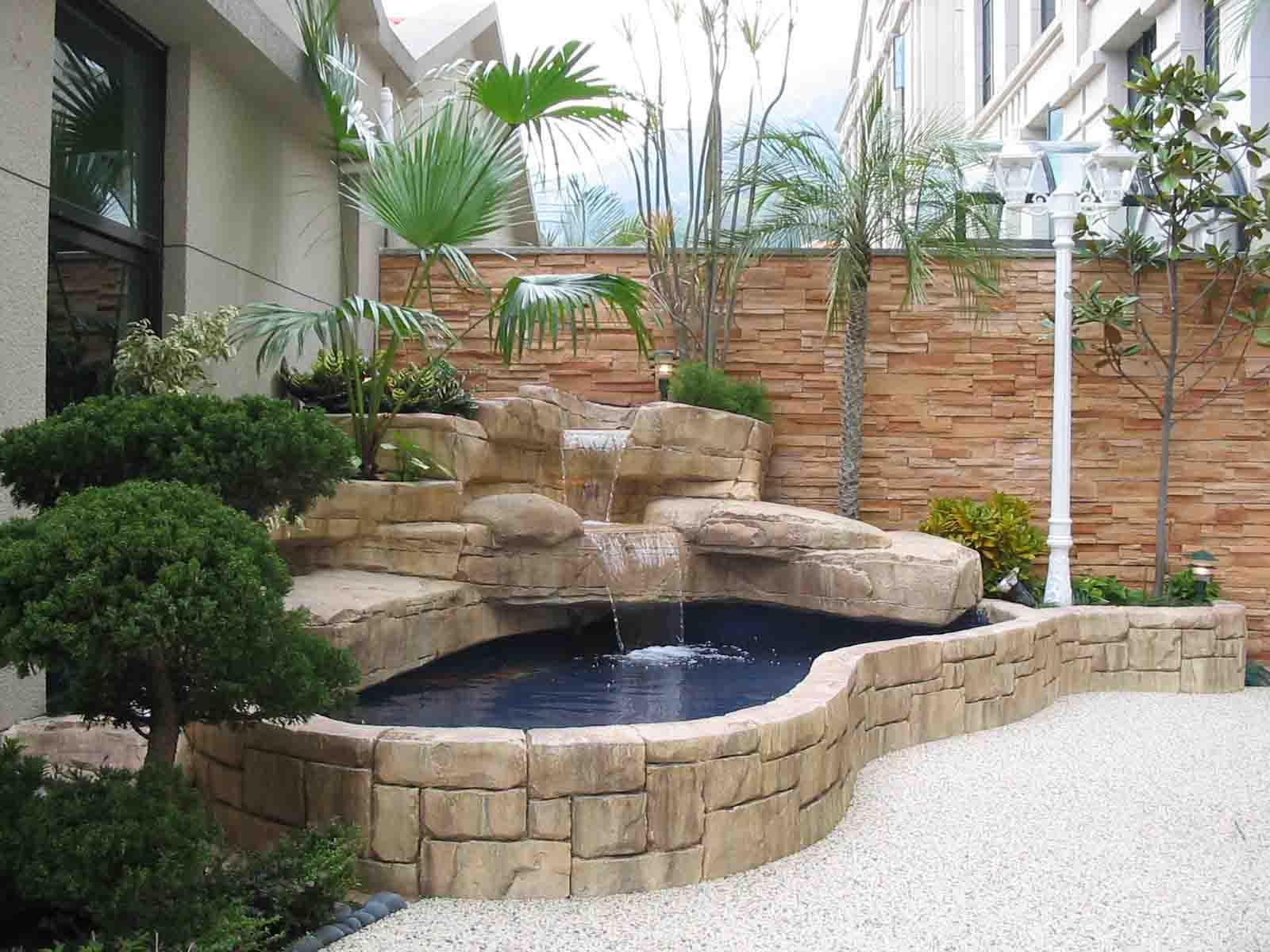 Fish Pond Garden Design | Backyard Design Ideas on Backyard Koi Pond Designs  id=43140