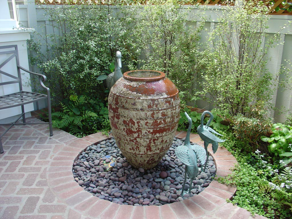 Small Garden Water Fountains | Backyard Design Ideas on Small Backyard Water Features id=87981
