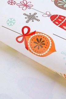 """Бумага упаковочная """"Новогодние игрушки"""""""