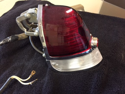 1951-1953-Tail-light-unit-drivers.-gas-side