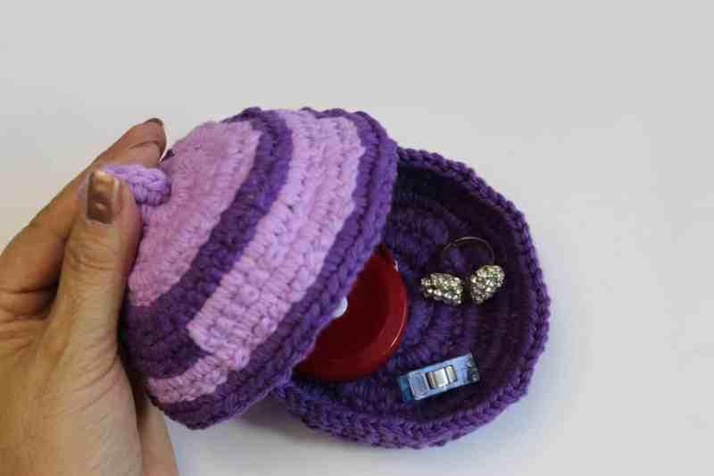 crochet jewlery dish