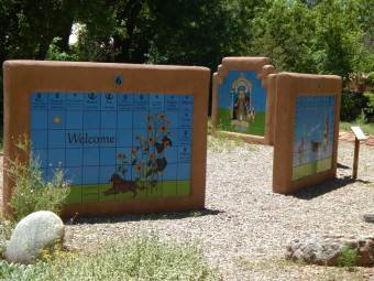 all-creatures-walls-memorial-park-walls