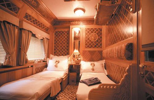 Путешествие на поезде Eastern & Oriental Express. Романтика Азии под стук колес