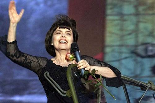 Мирей Матье. 65-летие прекрасной женщины и «посла французской песни»