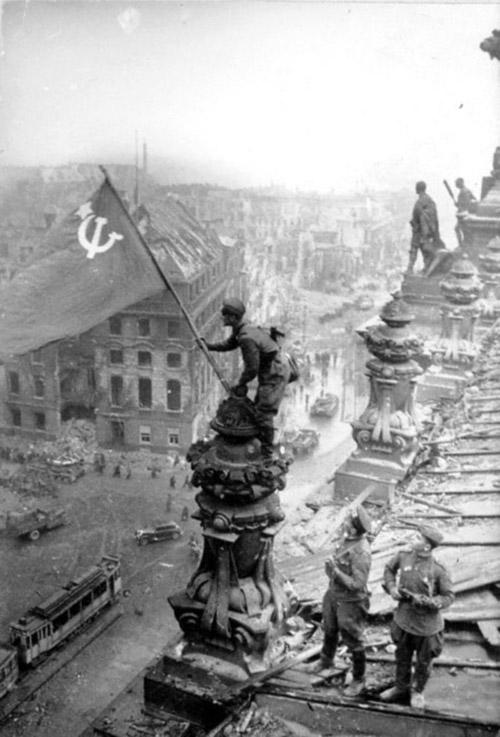 С 9-м мая, с Днем Победы, друзья!