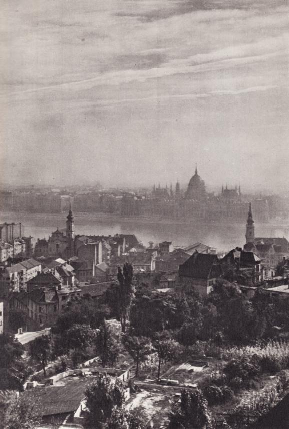 Будапешт. Экслюзивные сканы книги 1956 года. Часть 1. 40 фотографий.