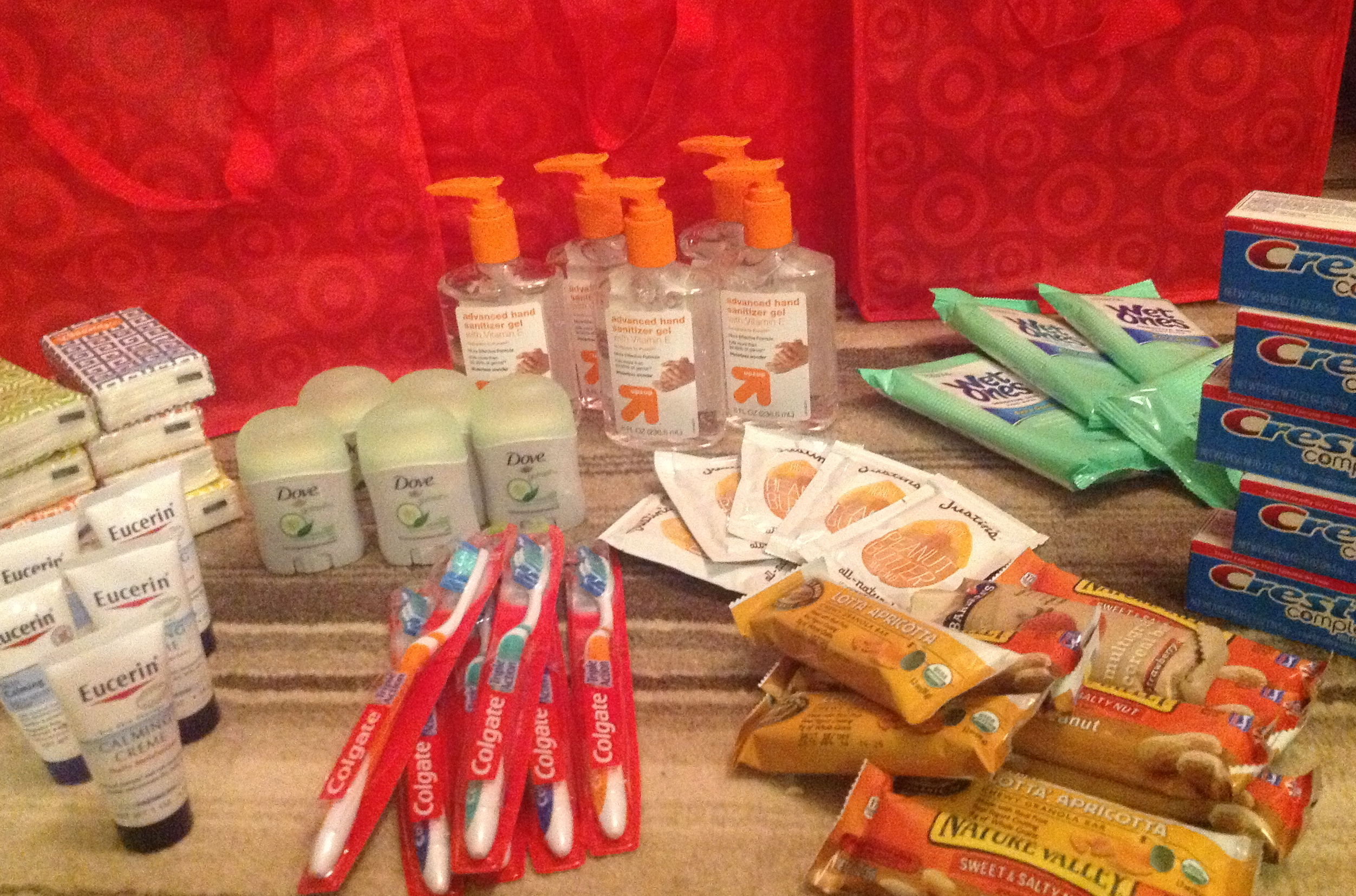 Care Kits for the Homeless: Moms Gone Global {Random Acts of Kindness}