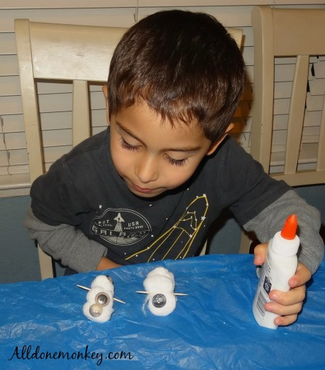 Easy Snowman Craft and Indoor Winter Fun | Alldonemonkey.com