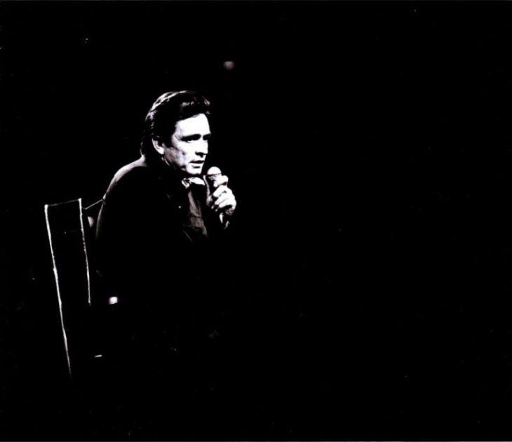Johnny_Cash-At_Madison_Square_Garden-Interior_Trasera