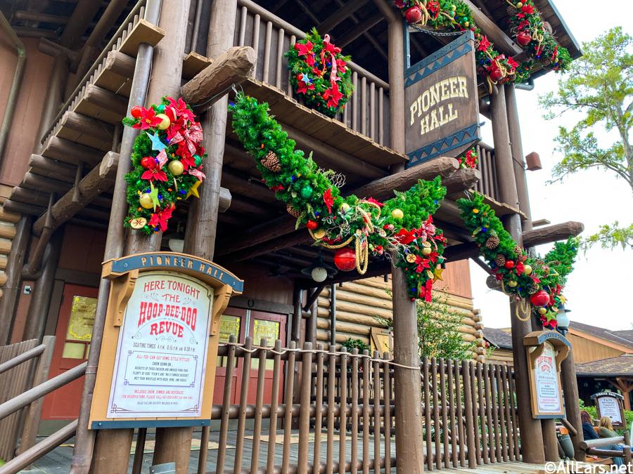 WDW-2020-Fort-Wilderness-Holiday-Decorat
