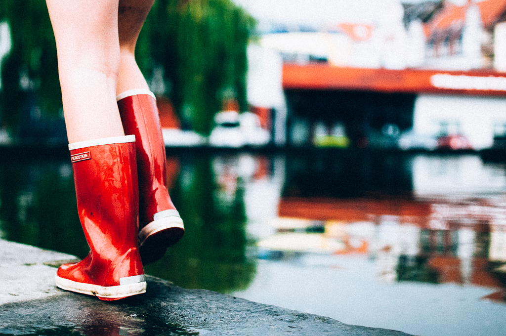 red shoes-