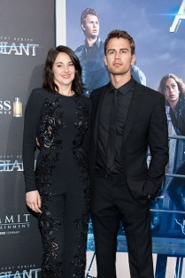 "NEW YORK, NY - MARCH 14: Shailene Woodley (L) and Theo James attend the ""Allegiant"" New York premiere at AMC Lincoln Square Theater on March 14, 2016 in New York City. (Photo by D Dipasupil/Getty Images)"