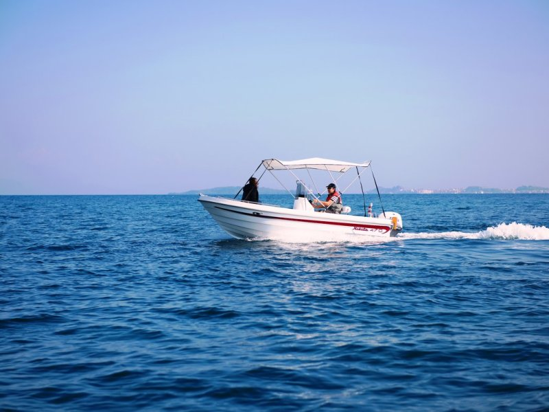 Self-drive boat hire in Corfu